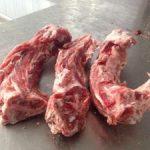 Kødben fra lam med masser af kød - Kragborg fra Arthurs Barf i Hørsholm