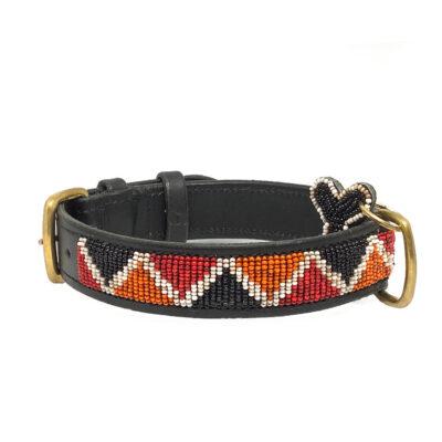 Afrikanske håndlavede halsbånd med perler fra Arthurs Barf i Hørsholm